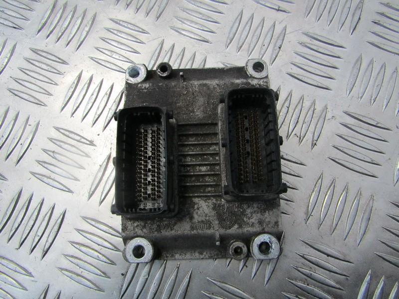 Блок управления двигателем 0261206714 00735018130 Alfa-Romeo 147 2001 1.6