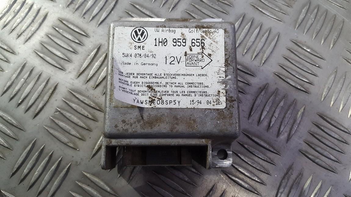 SRS AIRBAG KOMPIUTERIS - ORO PAGALVIU VALDYMO BLOKAS 1h0959656 5wk4076 Volkswagen GOLF 1996 1.9