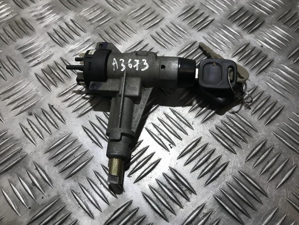 Uzvedimo spyna 893905851d used Audi 80 1993 2.0