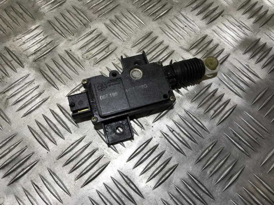 Centrinio duru uzrakto varikliukas 4675782g 067196 Chrysler VOYAGER 2001 2.5