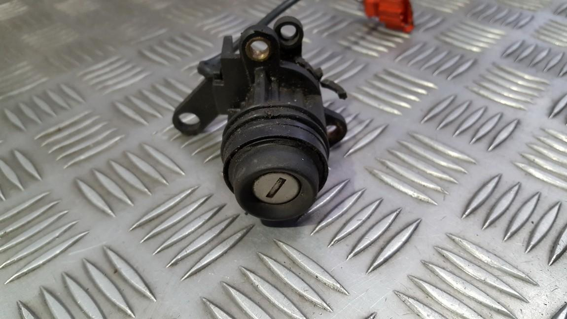 Duru spynele (sirdele) 1h5827571 used Volkswagen VENTO 1994 1.9