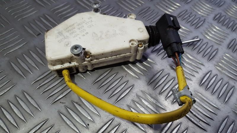 Centrinio duru uzrakto varikliukas 95VW9B241AB 7M0959775C Ford GALAXY 2001 1.9