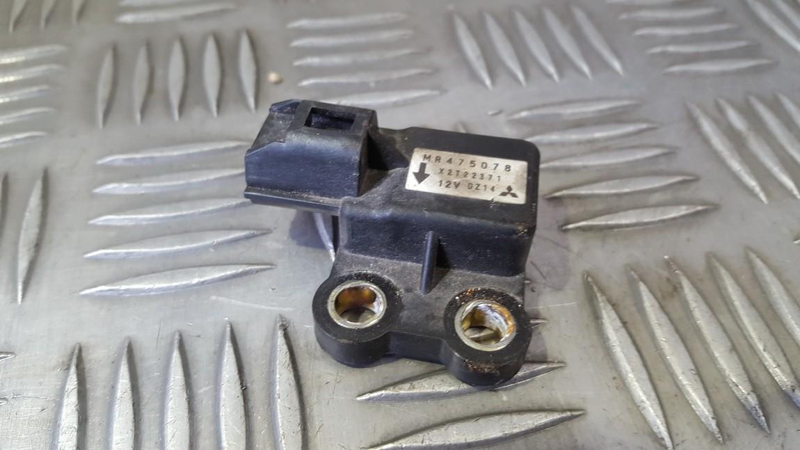 Srs Airbag daviklis X2T22371 MR475078 Mitsubishi PAJERO 2001 3.2