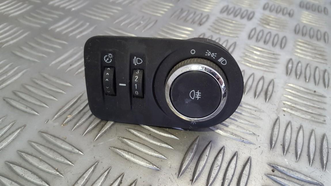 Zibintu aukscio reguliatoriaus mygtukas 13310334 321413 Opel CORSA 2008 1.3
