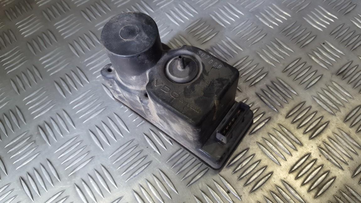 Centrine vakuumo valdymo pompa 443862257h used Audi 80 1990 2.0