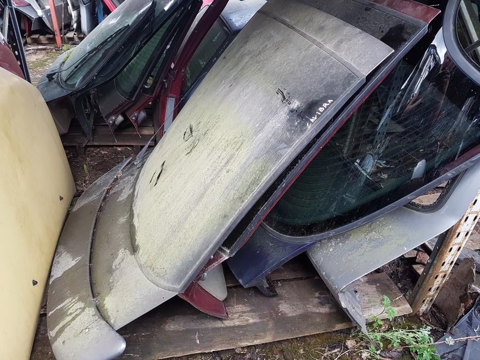 Galinis dangtis G (kapotas) DELSTIKLO USED Opel TIGRA 1997 1.4