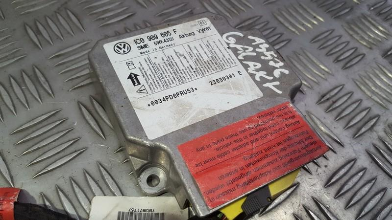 SRS AIRBAG KOMPIUTERIS - ORO PAGALVIU VALDYMO BLOKAS 1C0909605F 5WK43131 Ford GALAXY 1996 2.0