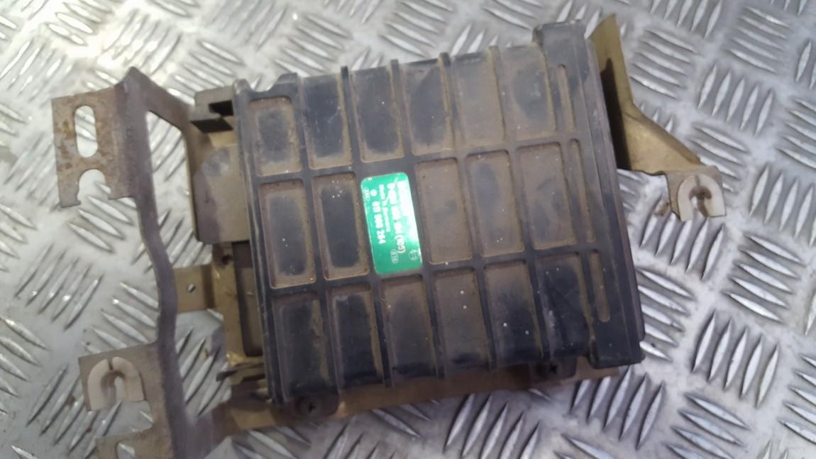 Блок управления двигателем 0280800104 811906264 Audi 80 1988 1.6