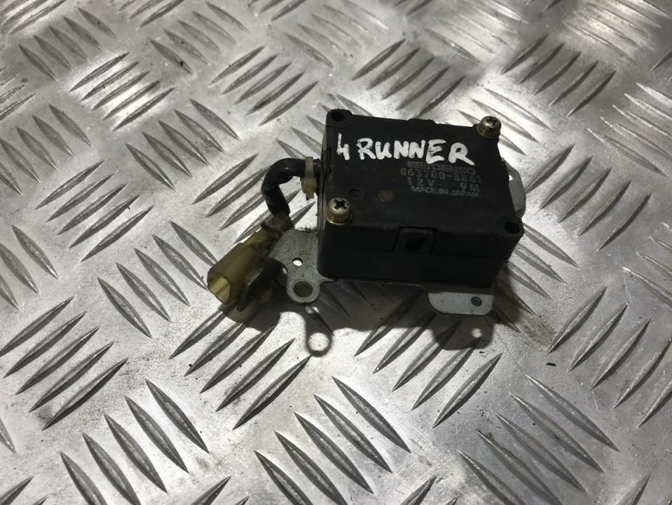 Peciuko sklendes varikliukas 0637003861 063700-3861 Toyota HILUX 2012 2.5
