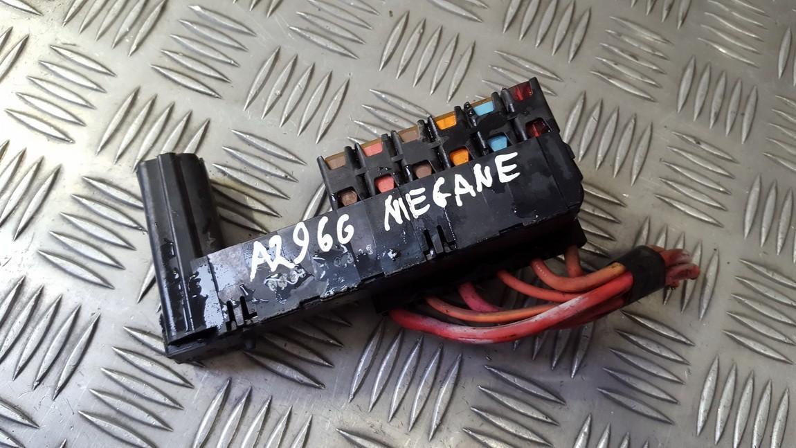 15445991 USED Fuse box Renault Megane 2003 1.6L 11EUR ... on