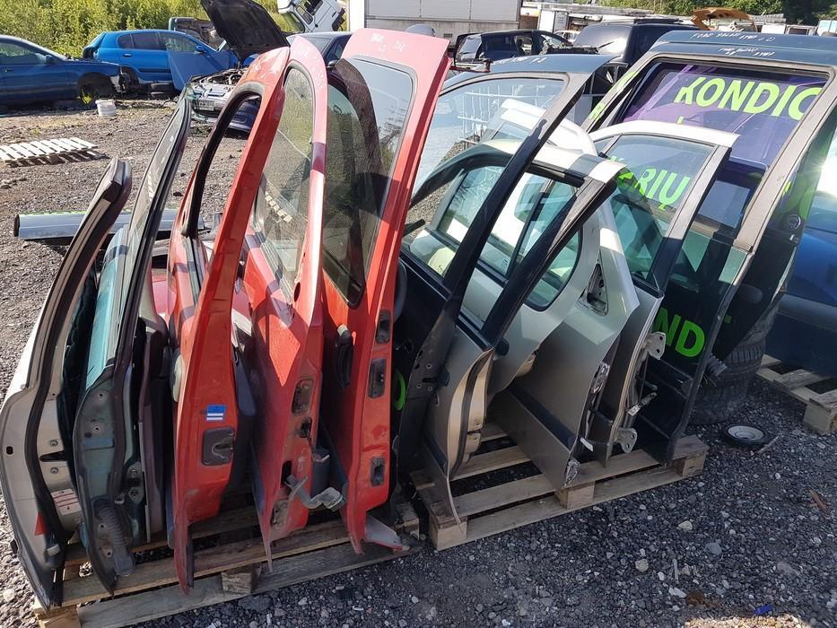 Автомобили Двери - передний левый pilkos used BMW 5-SERIES 2006 2.0
