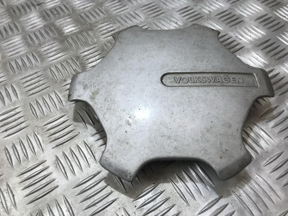 Center Cap (Cao assy-wheel hub) 321601149b used Volkswagen GOLF 1994 1.6