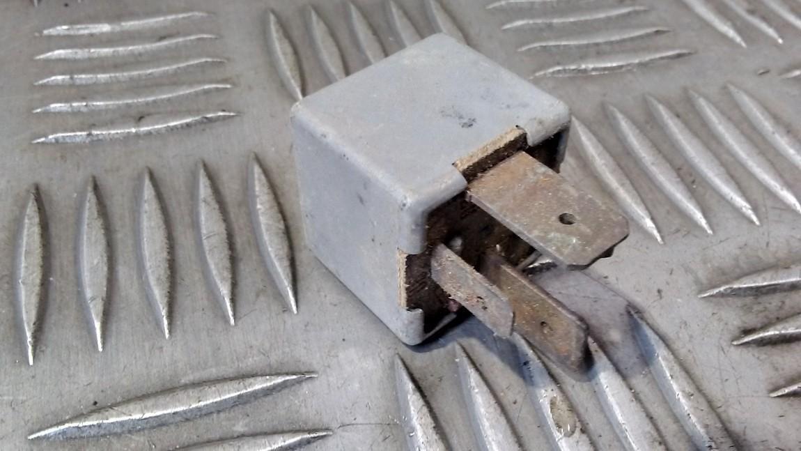Relay module 171937503A 11.0100.00 Audi 80 1985 1.8