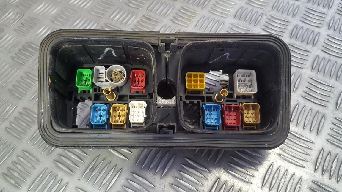 Блок предохранителей 6Q0937403B 1394586, 1394595 Volkswagen POLO 1993 1.0