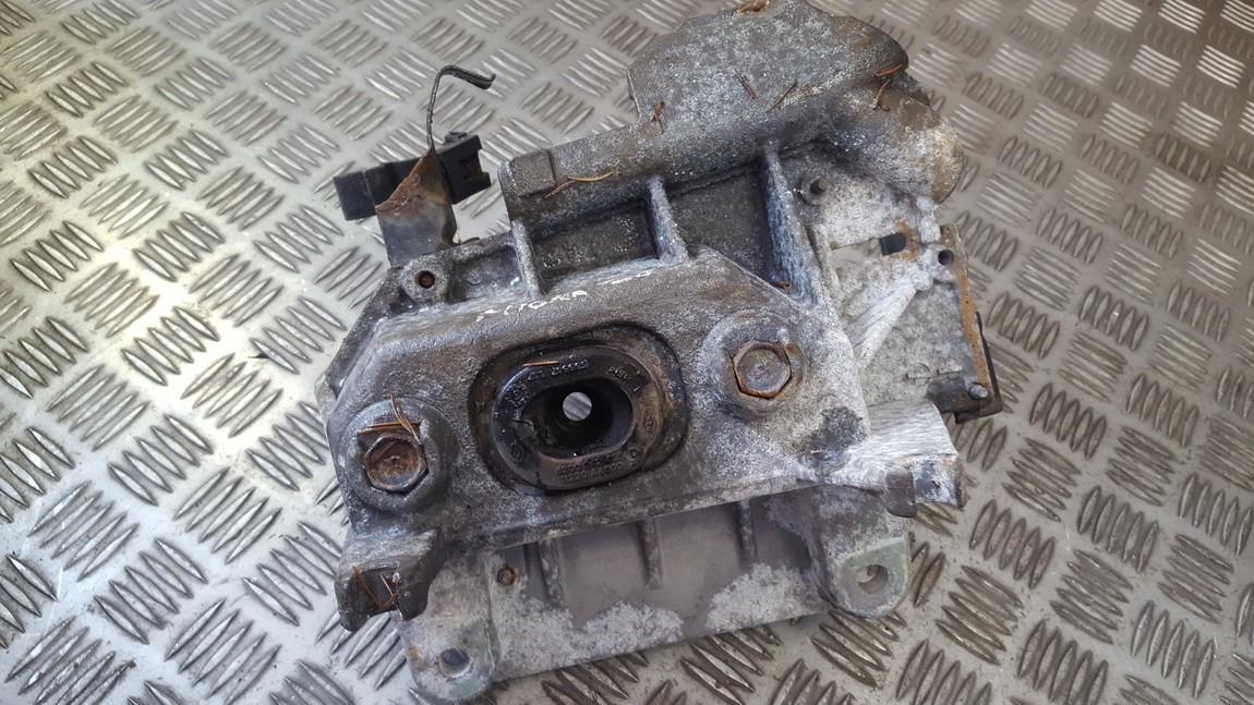 Renault  Clio Engine Mount Bracket and Gearbox Mount Bracket