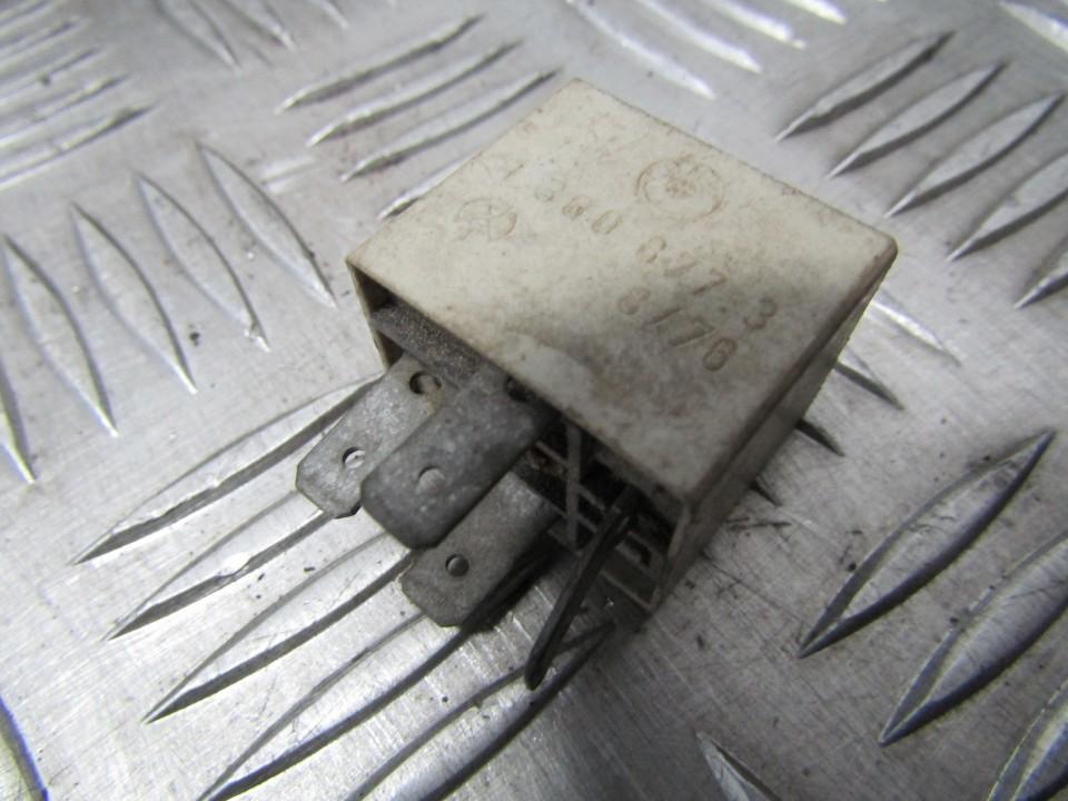 Блок электронный 13608773 1360877.3 BMW 3-SERIES 2000 1.9