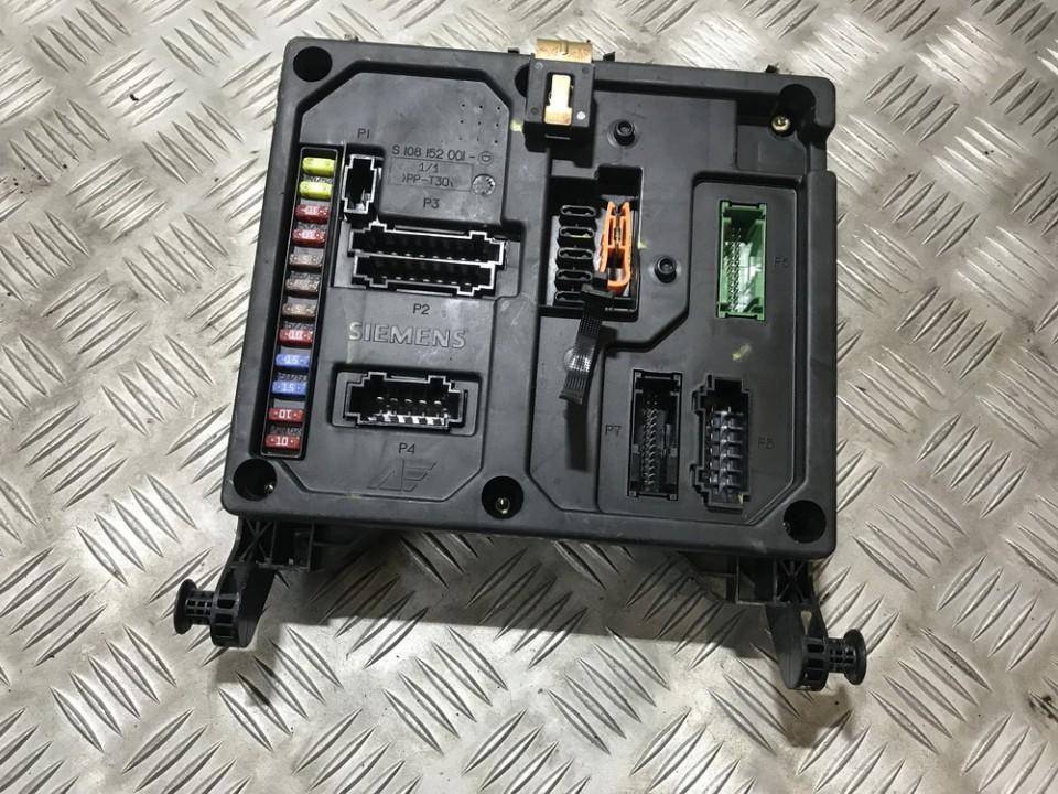 ford galaxy fuse box open