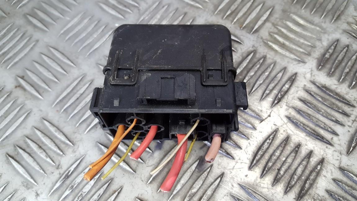 used used fuse box renault megane 2005 1 5l 9eur eis00430721