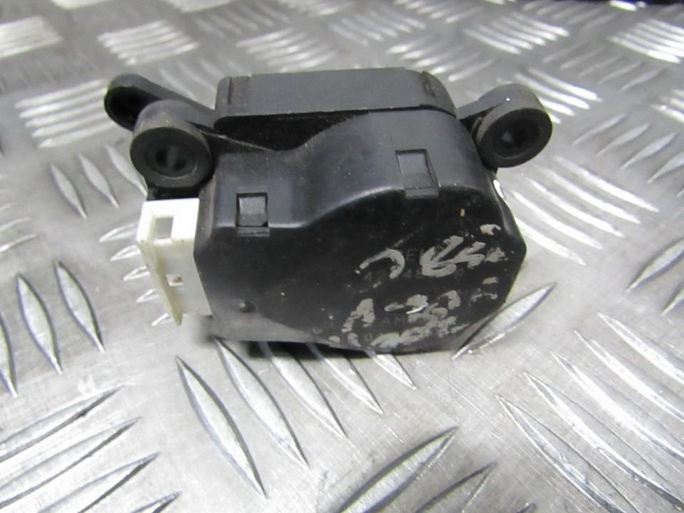 кронштейн моторчика заслонки отопителя