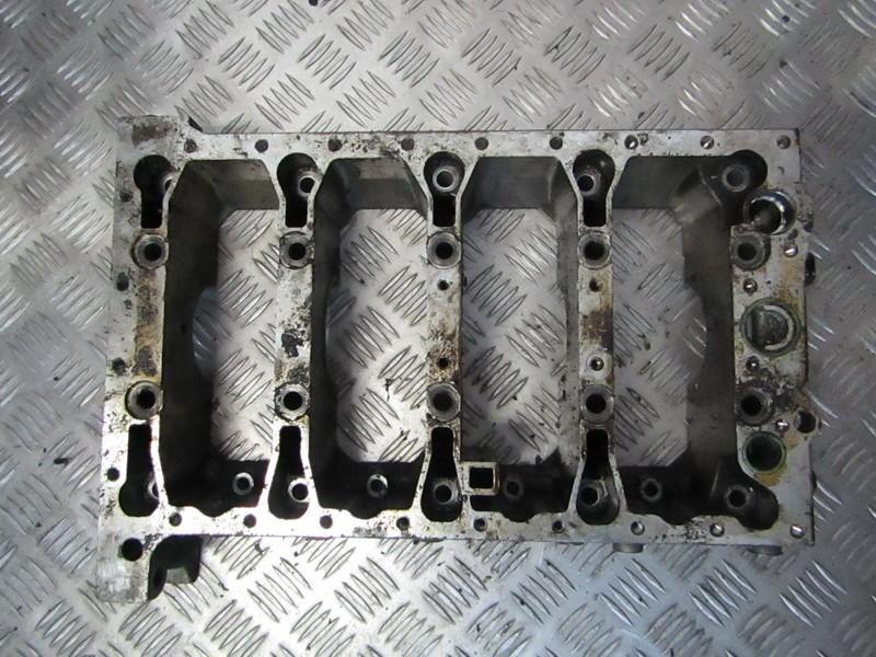 Variklio blokas Volvo S40 1996    2.0 1001594