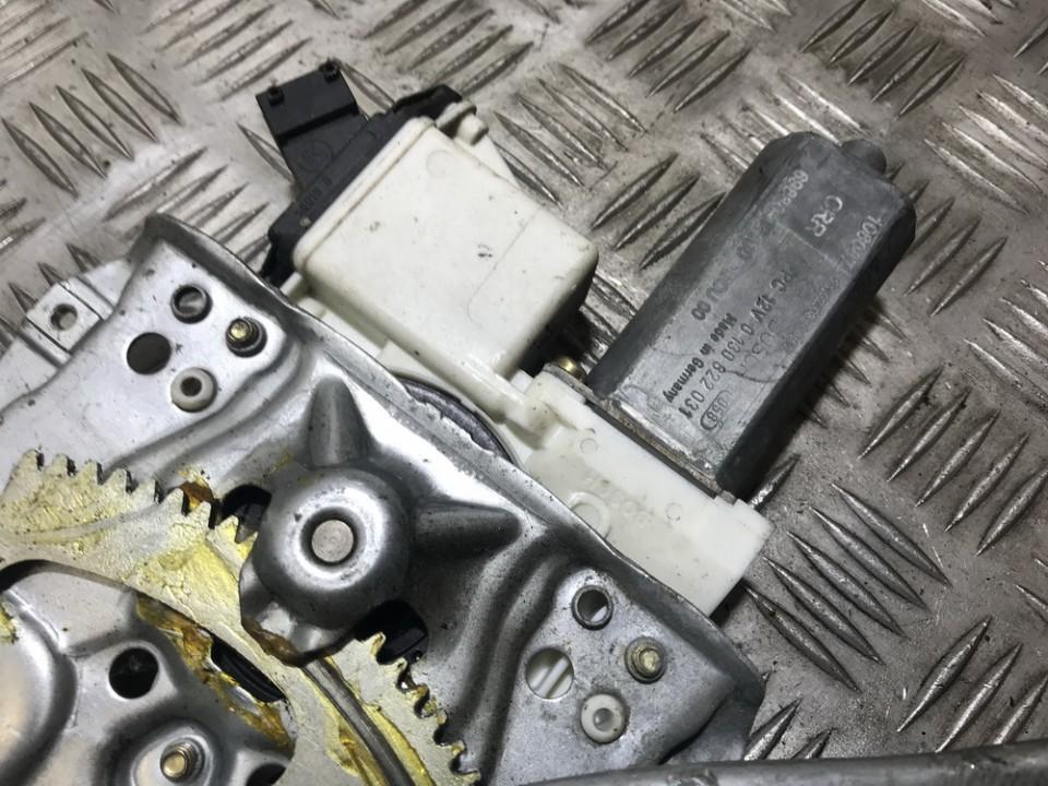 Toyota  Corolla Duru lango pakelejo varikliukas P.K.