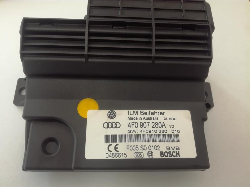 Borto kompiuterio valdymas Audi A6 2008    2.0 4F0907280A