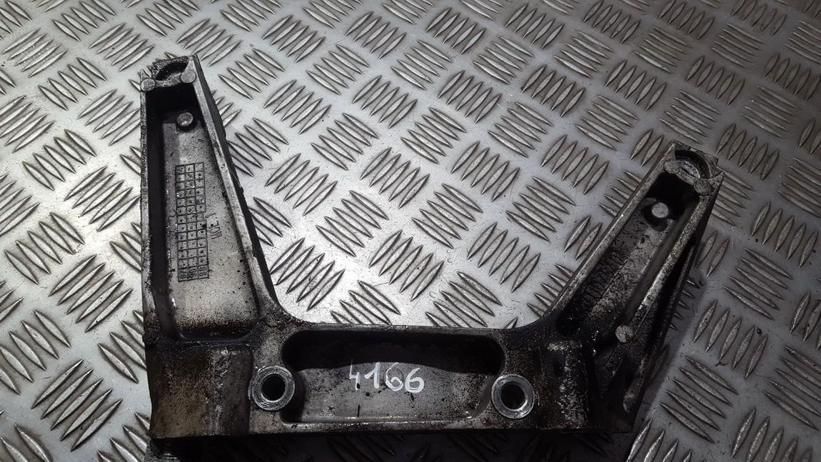 Variklio kronsteinas ir Greiciu dezes kronsteinas kku107640 USED Rover 75 2000 2.0