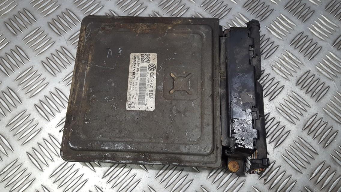 Variklio kompiuteris 03G906018 5WP45562AG Volkswagen PASSAT 1997 1.8