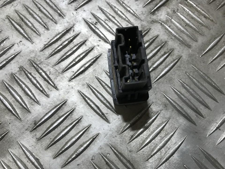 Galinio dangcio stiklo atidarymo mygtukas Land-Rover Freelander 1998    2.0 yuf101540