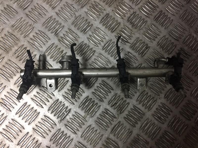 Mercedes-Benz  A-CLASS Fuel injector rail (injectors)(Fuel distributor)