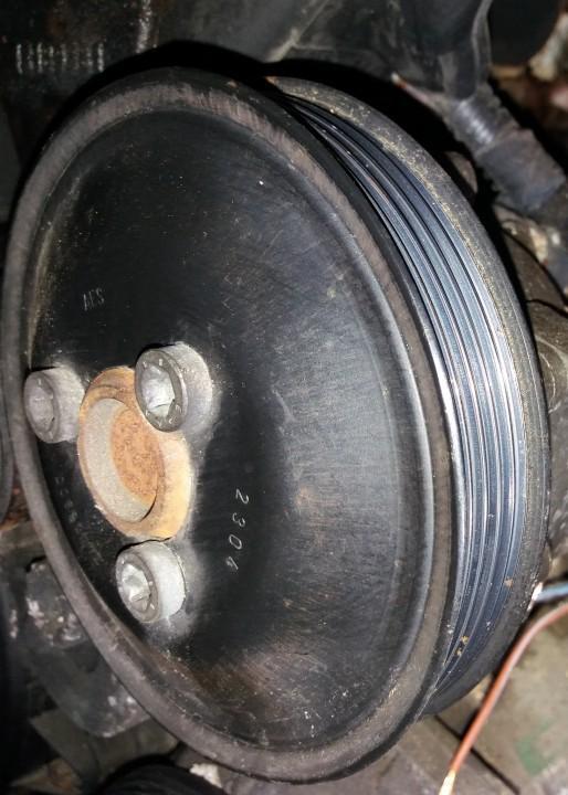 Vandens pompos dantratis (skyvas - skriemulys) 24405900   Opel ASTRA 1994 1.7