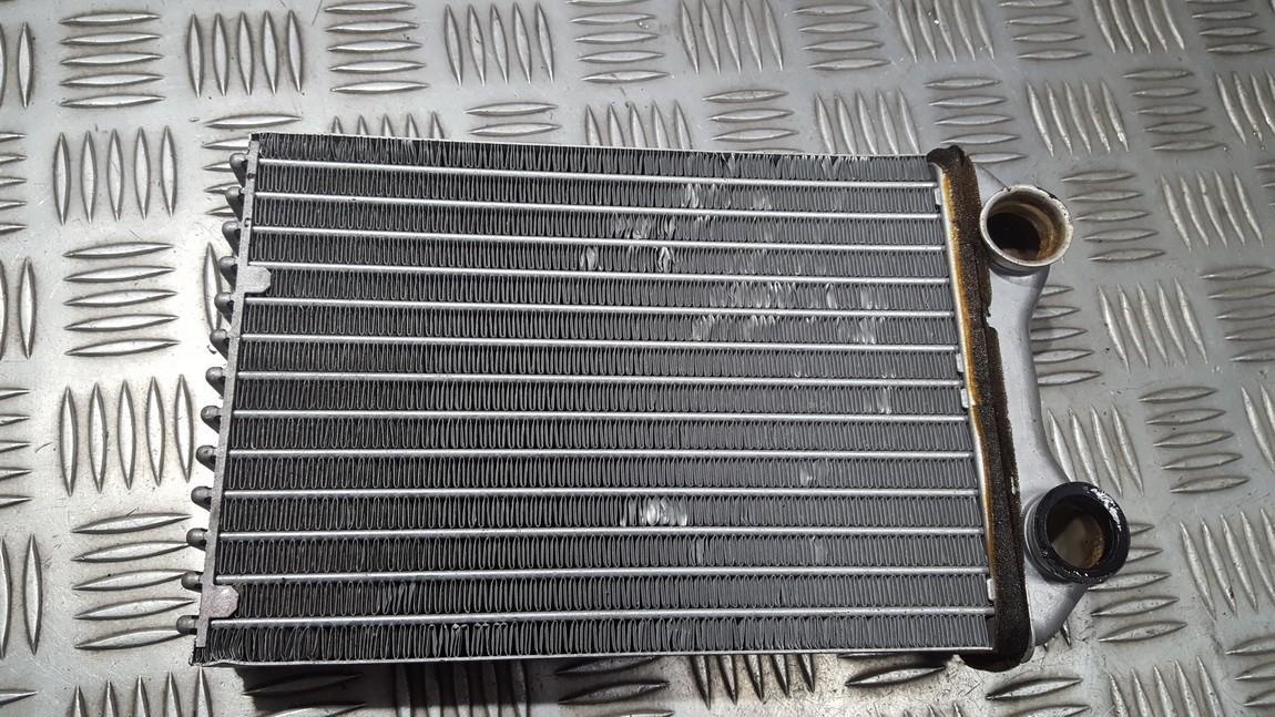 Salono peciuko radiatorius 662178N 64111497527 Mini ONE 2002 1.6