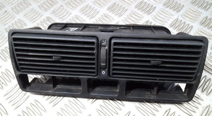 Dash Vent (Air Vent Grille) 1J0819728 1J0819736 Volkswagen GOLF 1994 1.6
