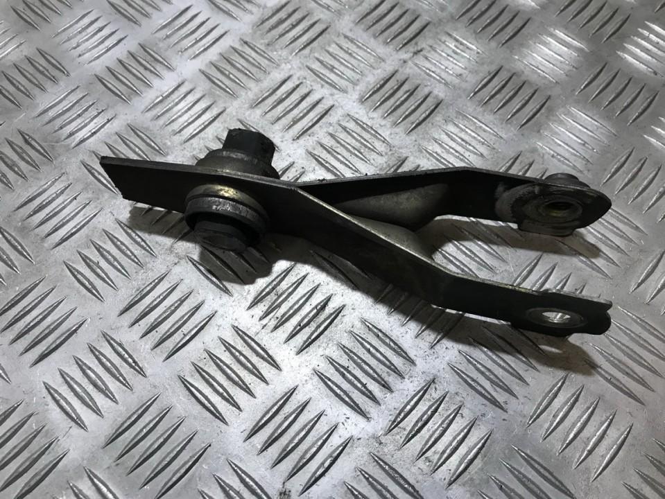 Variklio kronsteinas ir Greiciu dezes kronsteinas 8200125539 6025403700 Renault ESPACE 1995 2.1