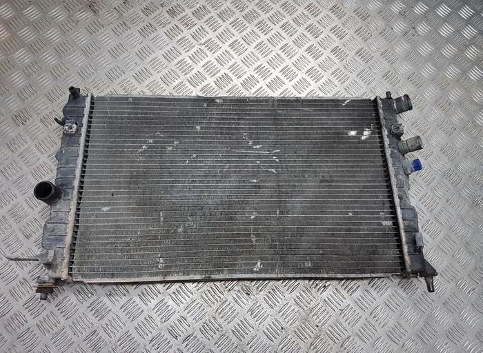 Opel  Vectra Vandens radiatorius (ausinimo radiatorius)