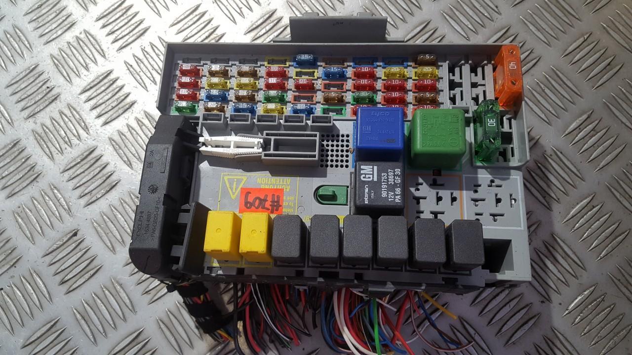 24412497 24431677 fuse box opel zafira 2001 1 7l 14eur eis00540567