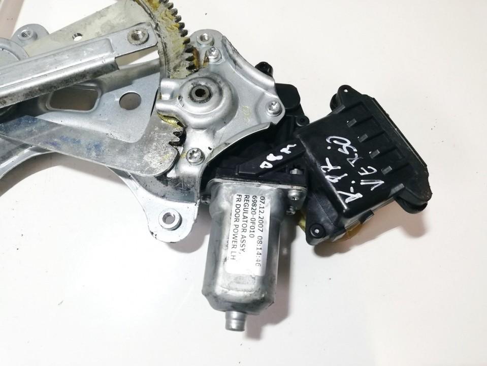Моторчик стеклоподъемника - передний левый 698200f010 997249-103 Toyota COROLLA VERSO 2007 2.2