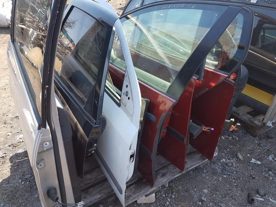 Автомобили Двери - задний правый vysnines used Volkswagen GOLF 1994 1.9
