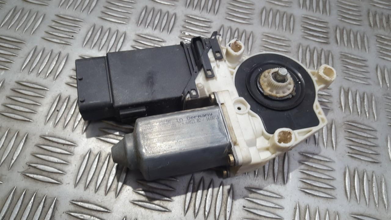 Duru lango pakelejo varikliukas P.K. 7746002102 101387101 Volkswagen GOLF 2008 1.4