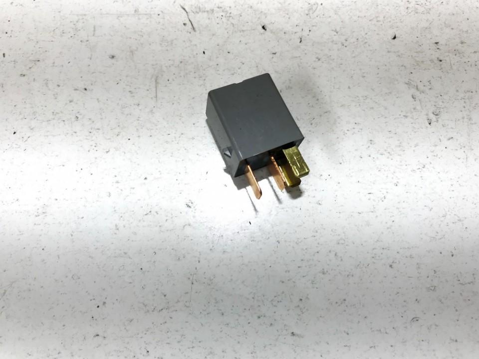 Subaru  Legacy Relay module