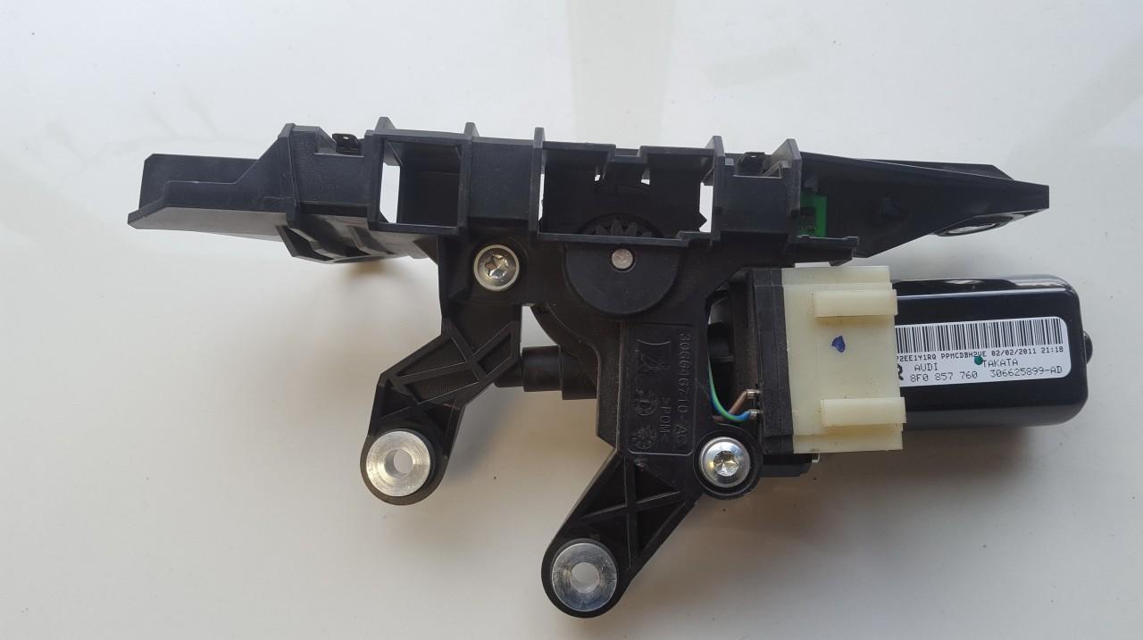 saugos dirzo varikliukas P.D. Audi A5 2011    0.0 8F0857760