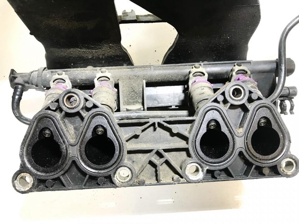 Renault  Clio Fuel injector rail (injectors)(Fuel distributor)