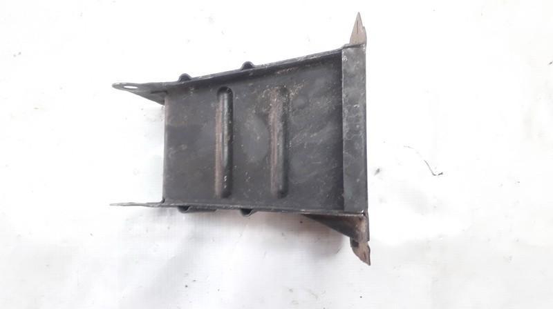 MERCEDES-BENZ SL (R107) Priekinis kairys bamperio laikiklis 130500210 130500210 4709337
