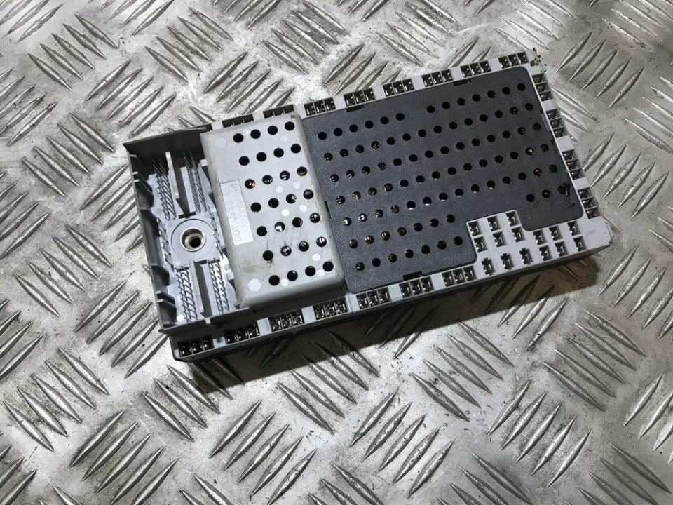8688562 02w273 fuse box volvo s80 2002 2 4l 40eur eis00060392