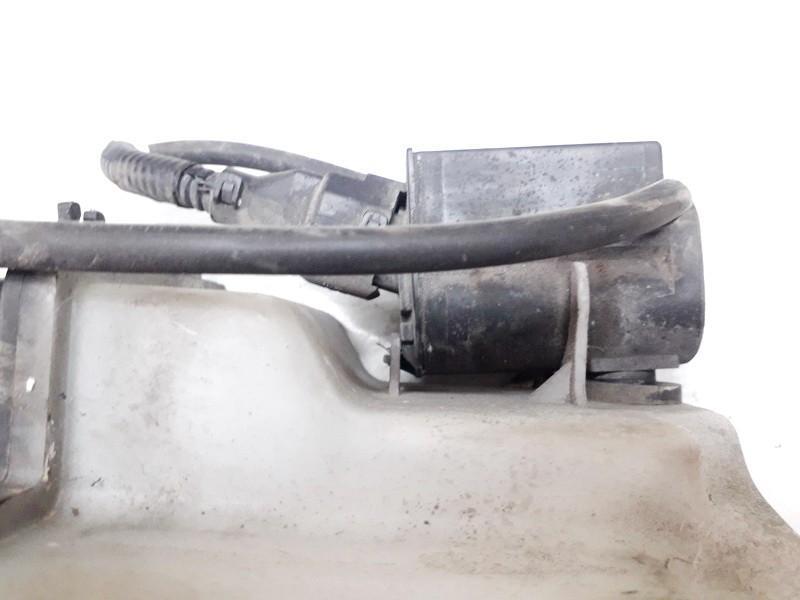 Hyundai  Getz Windshield Windscreen Washer Pump