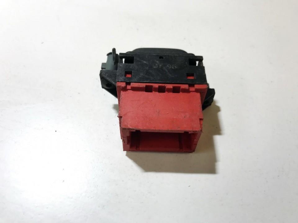 Galinio lango uzuolaidos mygtukas Renault Laguna 1998    0.0 used