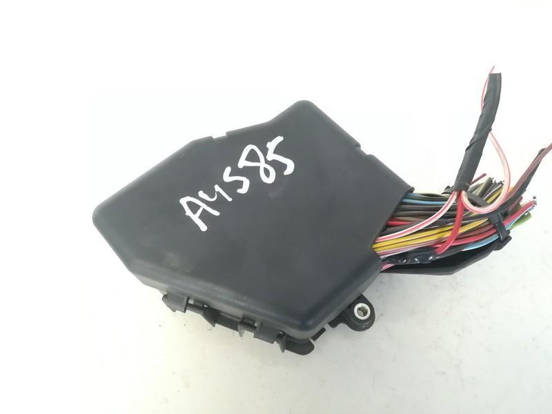 used used fuse box audi a4 1996 1 8l 9eur eis00626675