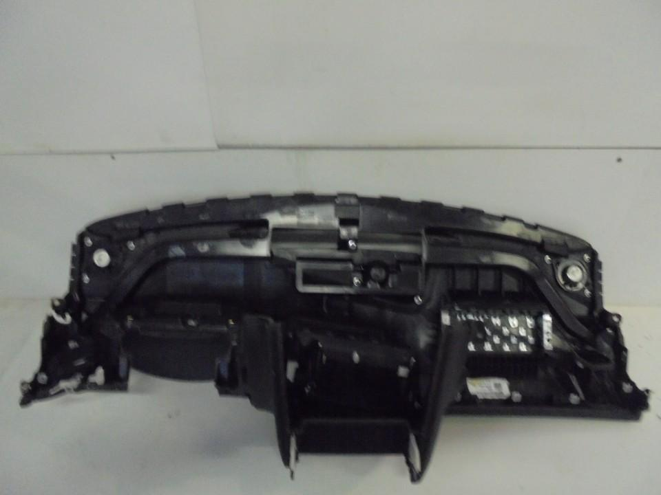 Salono paneles remas Audi A5 2011    2.0 8t2857041b