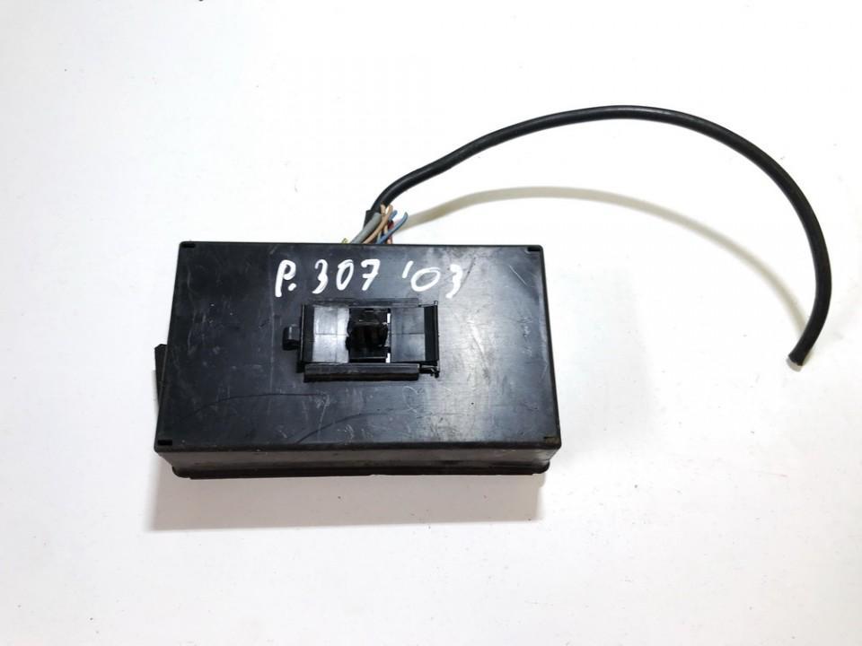 Fuse box  used used Peugeot 307 2002 2.0
