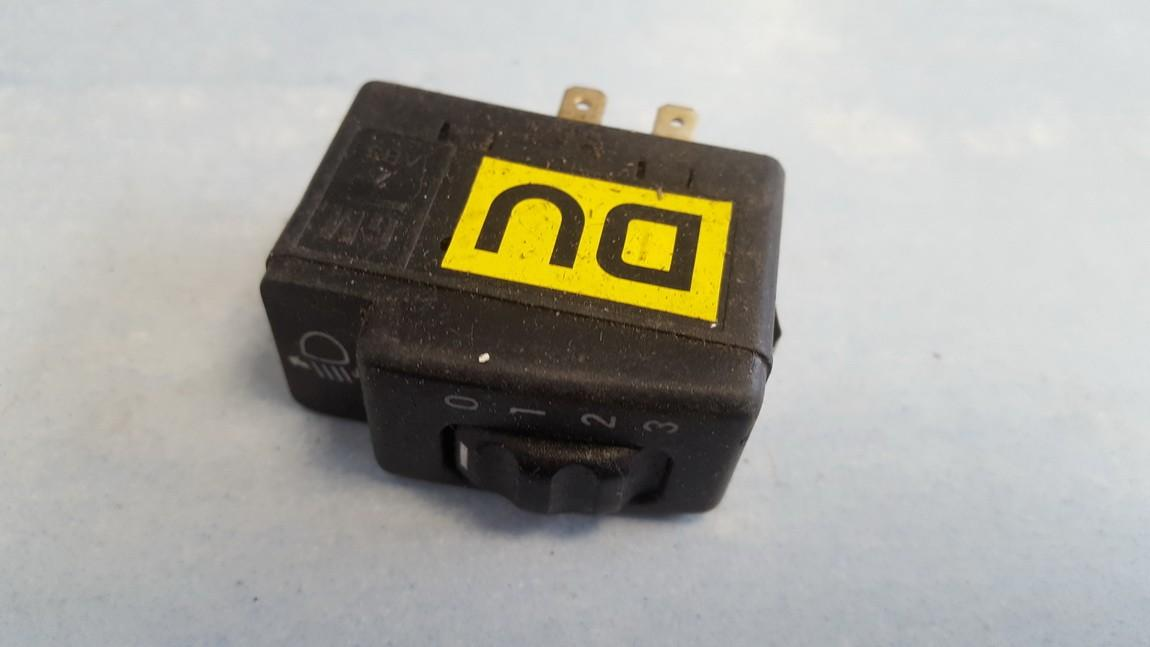 Zibintu aukscio reguliatoriaus mygtukas 90483063 used Opel TIGRA 1997 1.4